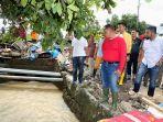 plt-bupati-lampung-selatan-kunjungi-dan-beri-bantuan-warga-korban-banjir.jpg