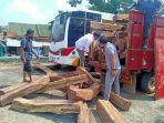 polisi-bongkar-sindikat-illegal-logging-register-21-pringsewu-lampung.jpg