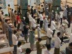 salat-tarawih-perdana-di-masjid-ad-dua-bandar-lampung-2.jpg