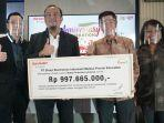 sharp-donasi-ratusan-smartphone-dan-notebook-melalui-bakti-untuk-negeri-sharp-pintarkan-indonesia.jpg
