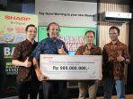 sharp-indonesia-donasikan-rp-980-juta-apresiasi-perjuangan-tenaga-medis-indonesia-tangani-covid-19.jpg