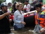sumbang-korban-banjir-rp-20-juta-nikita-mirzani-rezeki-saya-rezeki-kalian-semua.jpg
