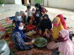 tingkatkan-keterampilan-dinas-pppa-ajak-ibu-rumah-tangga-belajar-membuat-makanan-khas-mesuji.jpg