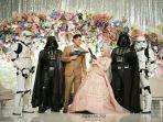 tokoh-star-wars-hiasi-pesta-pernikahan-roger-danuarta-dan-cut-meyriska.jpg