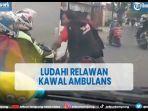 viral-pemotor-meludahi-relawan-saat-mengawal-ambulans-di-jalanan-bekasi.jpg
