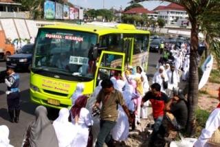 Hari Ini Uji Coba BRT - 42.JPG