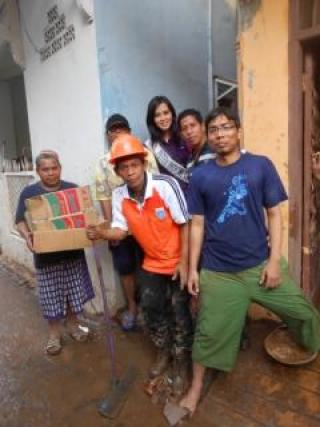 Sisca: Duka Jakarta, Duka Kami - tiara.JPG