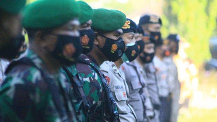 APEL SIAGA: Pasukan TNI-Polri saat apel kebangsaan di Lapangan Sangkareang, Rabu (28/4/2021).