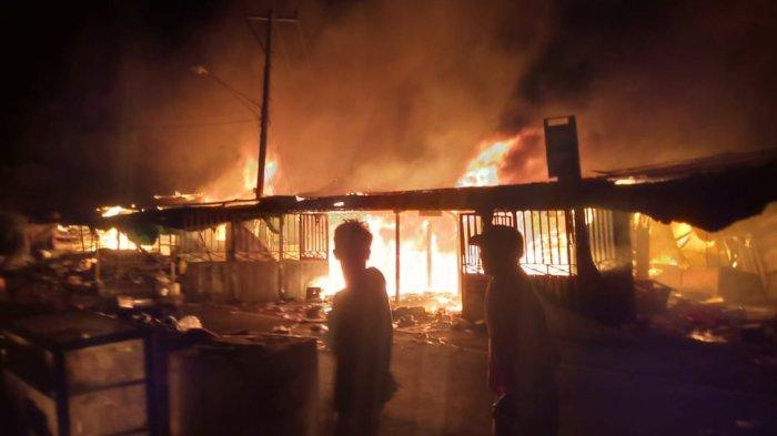 Lapak Pasar Soro Dompu Ludes Terbakar, Pedagang Rugi hingga Rp 1 Miliar