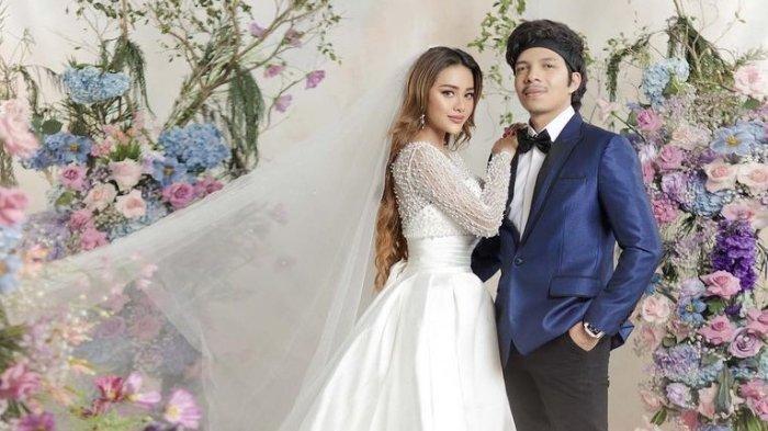 Bernuansa Hitam dan Abu-abu, Ini Isi Souvenir Pernikahan Atta Halilintar dan Aurel Hermansyah