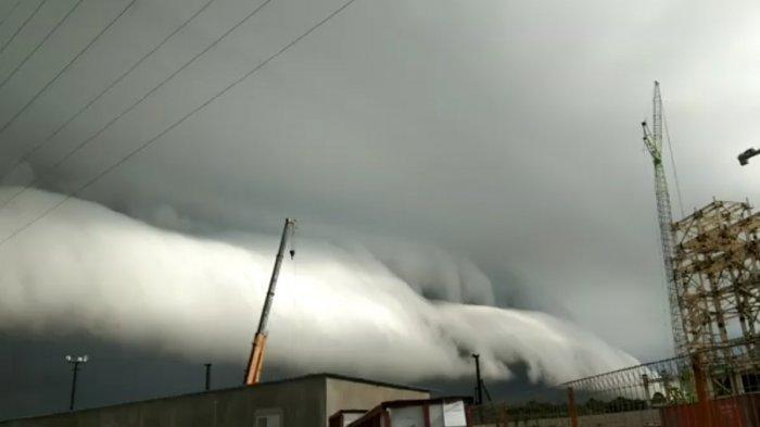 Awan Misterius Mirip Tsunami Selimuti Langit Nagan Raya, BMKG Beri Penjelasan: Fenomena Awan Arcus