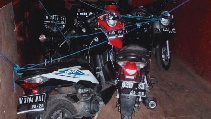 BODONG: Motor-motor bodong yang diamankan anggota Polsek Manggalewa, Kabupaten Dompu, NTB Kamis (24/6/2021). (Dok. Polres Dompu)