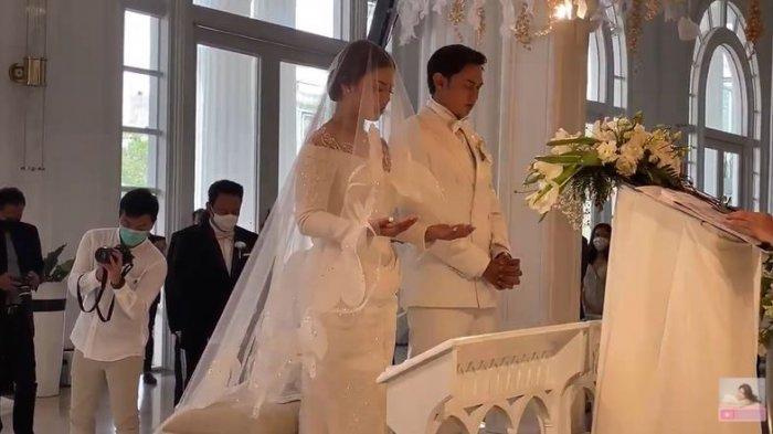 Inilah Momen Pemberkatan Pernikahan Felicya Angelista dan Caesar Hito, Kedua Mempelai Menangis