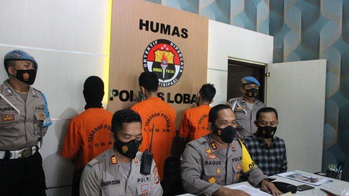 DITANGKAP: Tiga kawanan begal sadis ditangkap Polres Lombok Barat, diperlihatkan dalam keterangan pers, Kamis (4/2/2021).