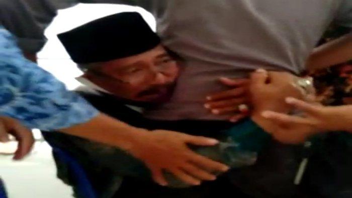 VIRAL Mantan Kepala Sekolah di Lombok Timur Teriak Ketakutan, Pingsan saat Suntik Vaksin Covid-19