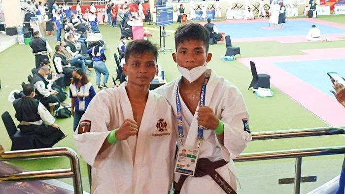 EMAS: Atlet Kempo NTB Rizkiawan dan Idham Kholid meraih medali emas pada PON XX Papua 2021, Minggu (10/10/2021).