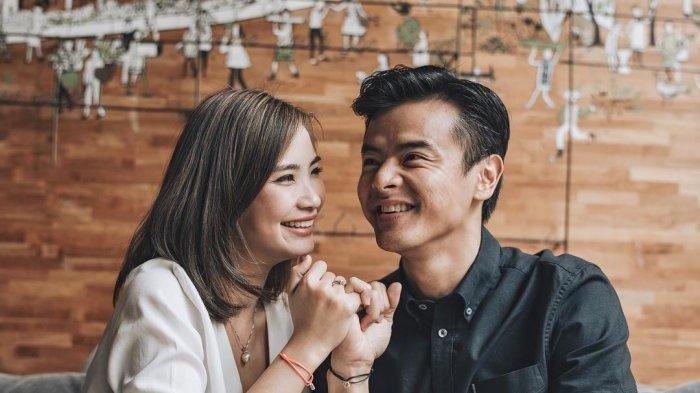 Dion Wiyoko dan Istri Umumkan Kehamilan Anak Pertama Setelah 4 Tahun Menanti, Sempat Tunda Hamil