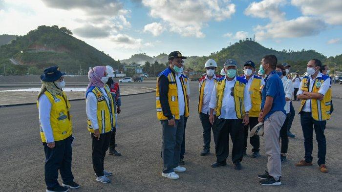 Aksi Menteri Basuki dan Gubernur NTB hingga Loncat Pagar, Tinjau Proyek Sirkuit Mandalika