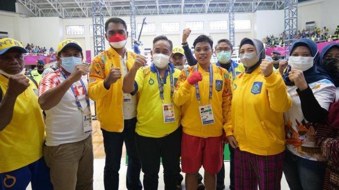 PON Papua: Petinju Huswatun Hasanah Persembahkan Medali Emas ke-14 untuk NTB