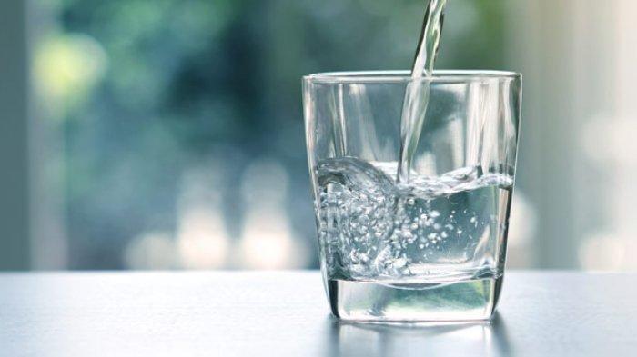 Ternyata Minum Air Putih setelah Bangun Tidur Sangat Bermanfaat, Dapat Turunkan Berat Badan
