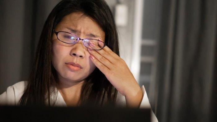 Cara Atasi Mata Lelah karena Terlalu Lama Menatap Layar Komputer