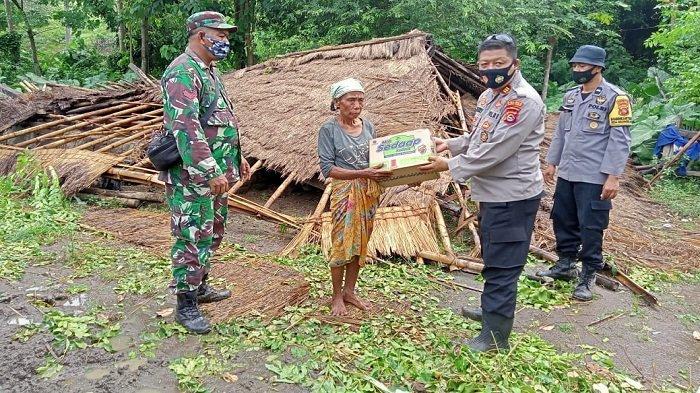 6 Rumah di Desa Selong Belanak Lombok Tengah Rusak Diterjang Angin Kencang