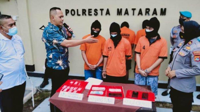 Narkoba Jadi Bisnis Keluarga, Tiga Bersaudara di Karang Bagu Kompak Jualan Sabu