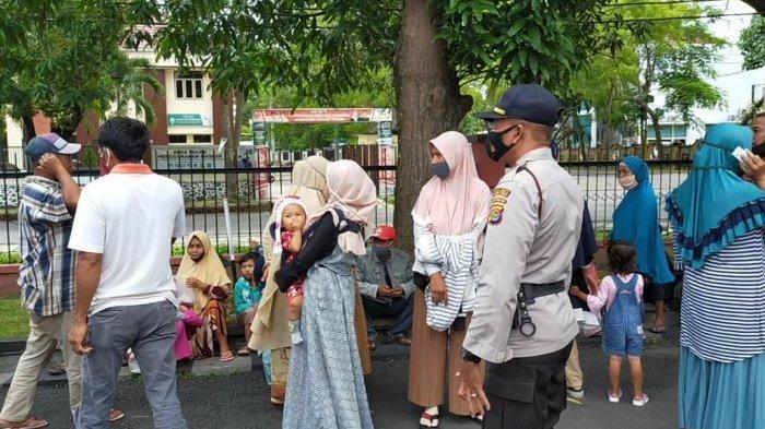 Sidang Lanjutan Kasus 4 Ibu-ibu di Lombok, Tetangga dan Keluarga Datang Beri Dukungan Moril