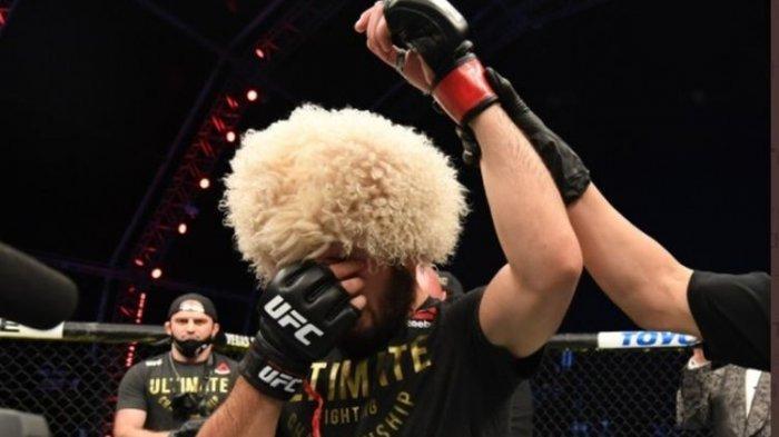 Khabib Nurmagomedov Pensiun dari MMA, Almarhum sang Ayah Disebut hingga Janji pada Ibunda