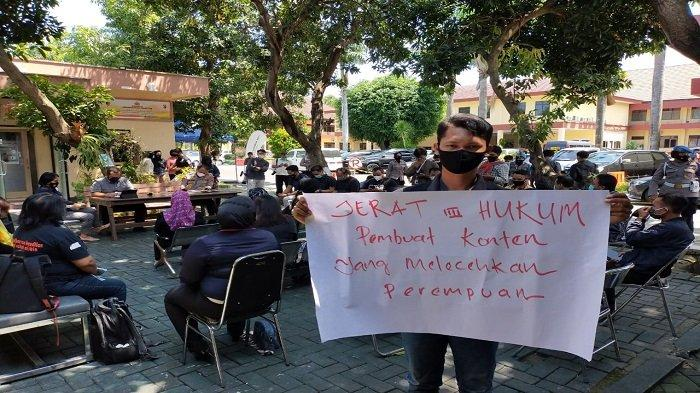 HEARING: Koalisi anti kekerasan terhadap anak dan perempuan hearing ke Polda NTB, Kamis (25/3/2021).