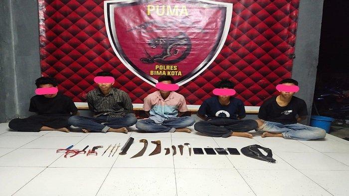 Lima Pelajar Bima Ditangkap Polisi karena Tawuran Pakai Senjata Tajam