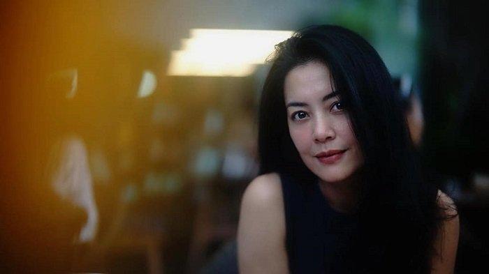 Lulu Tobing Hadapi Perceraian, sang Mantan Suami Kini Pamer Foto Bareng Anak dan Istri