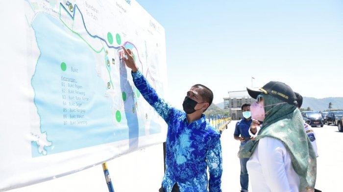 MANDALIKA: Wakil Gubernur NTB Sitti Rohmi Djalilah meninjau kesiapan Sirkuit Mandalika yang akan menjadi lokasi WSBK dan MotoGP 2022, Selasa (22/9/2021). (Dok. Pemprov NTB)