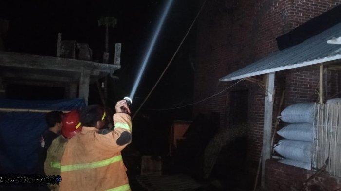 Oven Tembakau Terbakar, Petani di Desa Beleka Rugi hingga Rp 50 Juta
