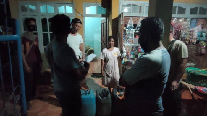 Puluhan Liter Miras Oplosan Ditemukan Polisi saat Gerebek Dua Rumah Warga di Bima