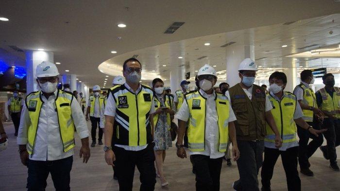 DINJAU: Kepala Staf Kepresidenan (KSP) Moeldoko meninjau proyek pengembangan Bandara Internasional Lombok, Senin (7/6/2021). (Dok. PT AP I Lombok)
