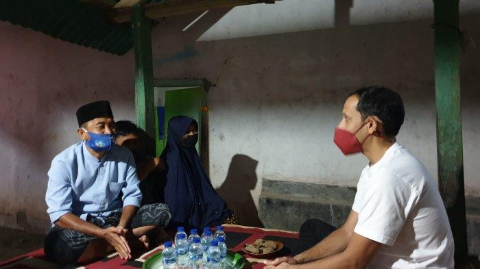 Menteri Nadiem Menginap di Rumah Guru Honorer Lombok Tengah, Pengabdiannya Membuat Menteri Terharu