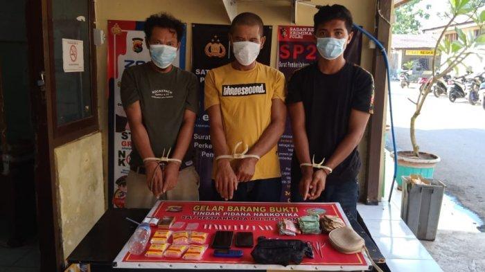 Tiga Pria Dompu Diringkus Polisi saat Asyik Transaksi Narkoba