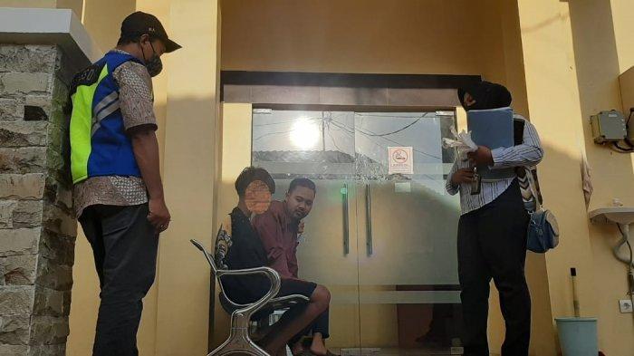 TERJARING: Para anak jalanan dan bosnya ditangkap Satgas Sosial Kota Mataram, dalam operasi gepeng dan anjal, Kamis malam (15/4/2021).