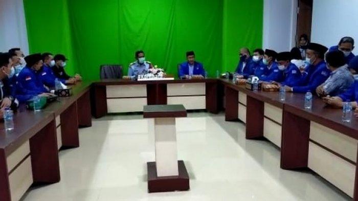 Tolak Moeldoko Jadi Ketum, Kader dan Pengurus Demokrat NTB Datangi Kanwil Kemenkumham NTB