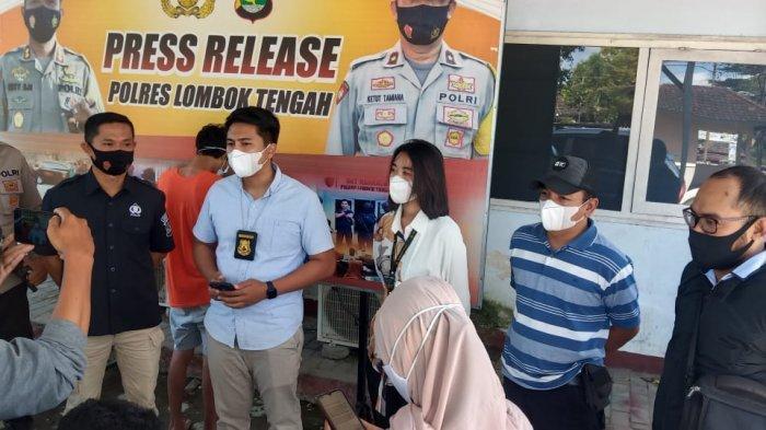 Dua Pemuda Lombok Tengah Rampok Toko Alfamart, Aksinya Terekam Kamera CCTV