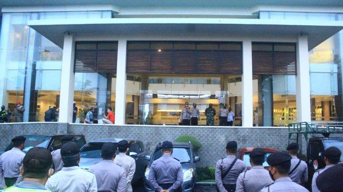 Pengamanan Debat Terbuka Pilkada Kota Mataram Sukses, Bahkan Ratusan Petugas Gabungan Dikerahkan