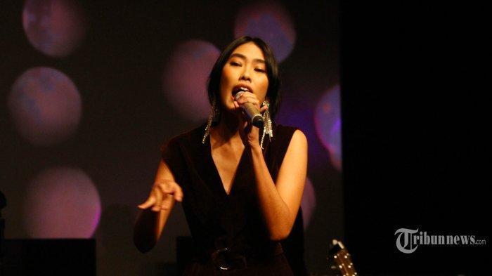 Chord Gitar dan Lirik Lagu Aku Pergi - Alika: Kita Pernah Bersatu dalam Satu Cinta