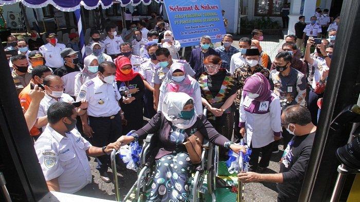 Peresmian bus ramah disabilitas, di kantor Dinas Perhubungan Provinsi NTB, Rabu (16/12/2020)