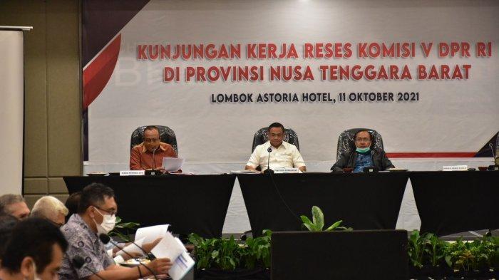 DISKUSI: Pertemuan Komisi V DPR RI dengan pemerintah daerah, di Mataram, Senin (11/10/2021).
