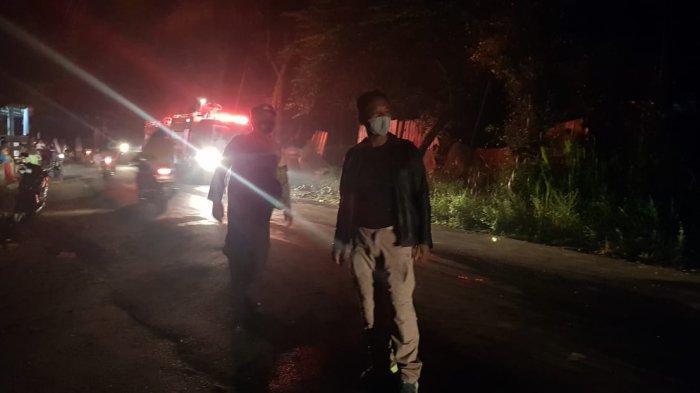 Gudang Barang Bekas di Montong Gamang Lombok Tengah Terbakar