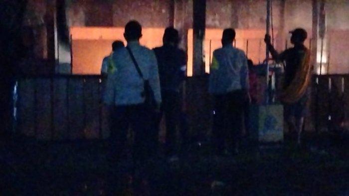 Laboratorium Komputer dan Rumah Penjaga Sekolah di Dompu Hangus Terbakar