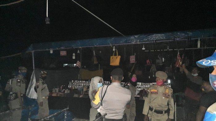 Pasar Malam di Taman Kerato Sumbawa Dibubarkan Aparat Gabungan
