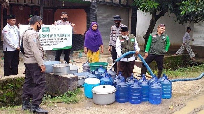 Korban Banjir Desa Buwun Mas Lombok Barat Masih Butuh Air Bersih
