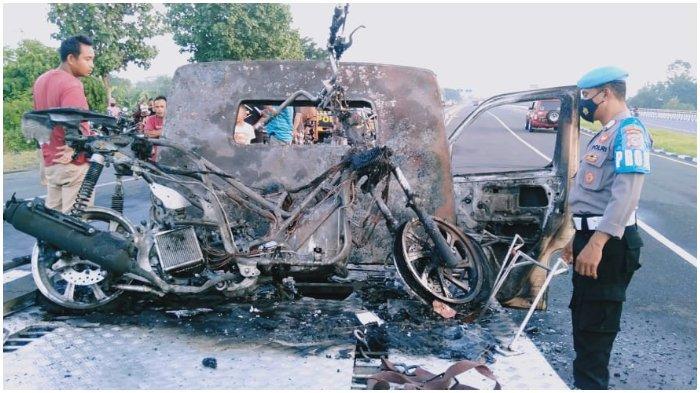 Mobil Pikap dan Dua Sepeda Motor Terbakar di Bypass Bandara Lombok